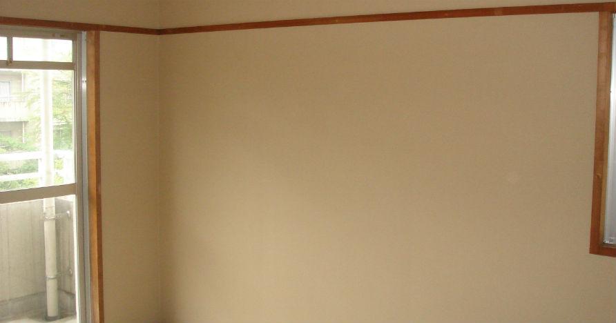 室内が明るくなるように白系のクロスをセレクトしました。
